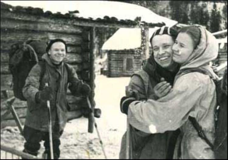 Прощание Юры Юдина и Люды Дубининой.