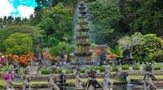 Бали. Земля индонезийских храмов и храмовых комплексов.