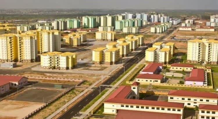 Новая Ангола строится.